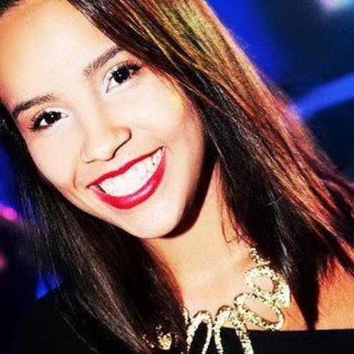 Maria Clara 47's avatar