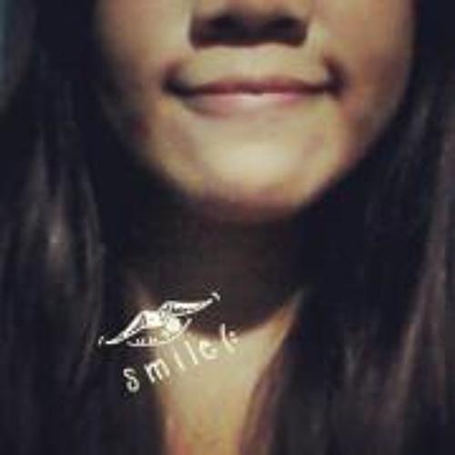 Paula Ganalongo's avatar