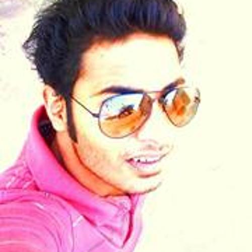 Daniel Naveen's avatar