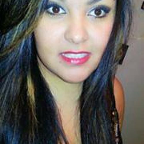 Claudia Vianet Escamilla's avatar