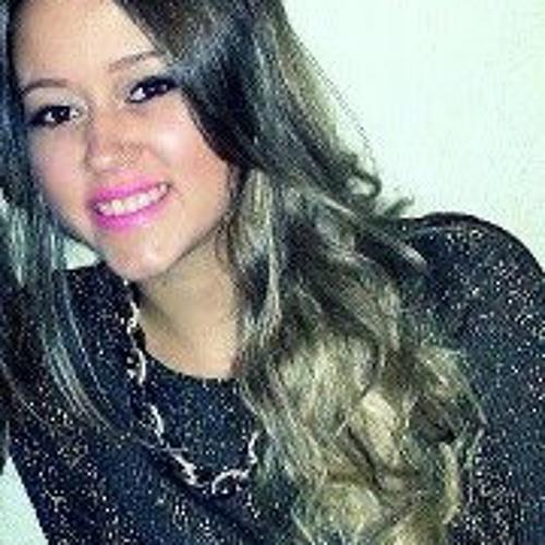 Carolina Fernanda 8)'s avatar