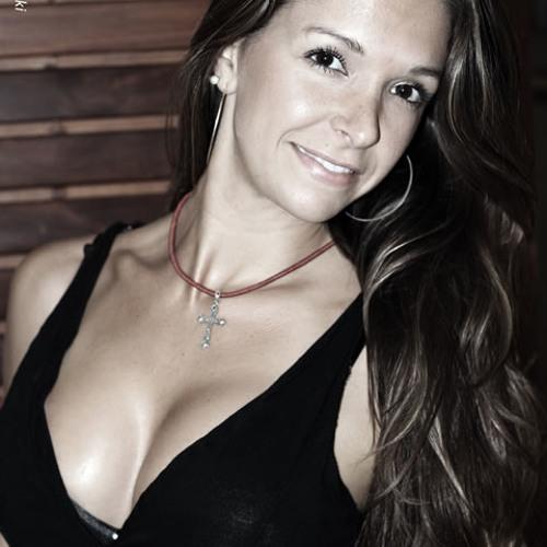 lalaelara's avatar