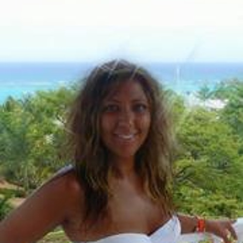 Humera Siddiqui's avatar