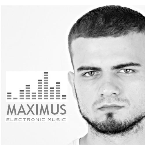 MΛXIMUS's avatar