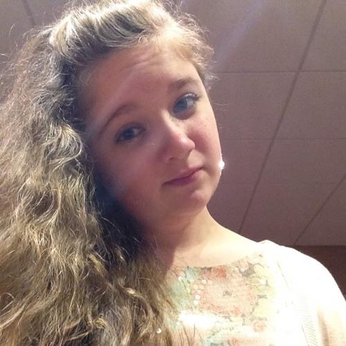 Charlotte Downing <3's avatar
