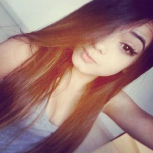 Camila Ferrari Romero's avatar
