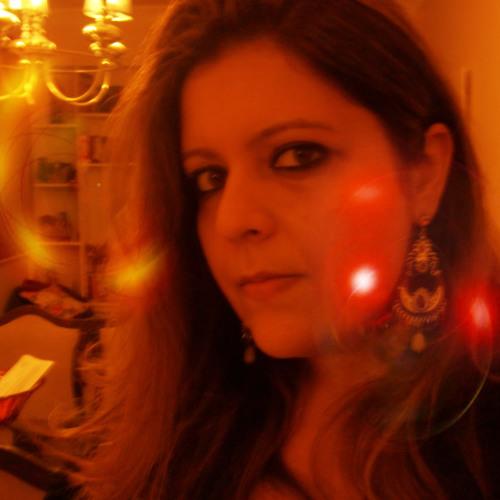 Larissa Frade's avatar