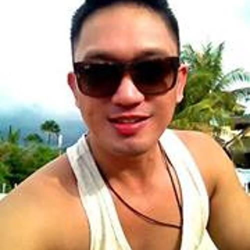 Dennis Doromal's avatar