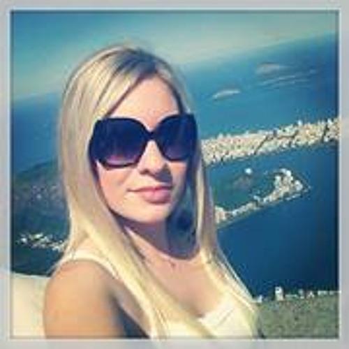 Larissa Scherer Gomes's avatar