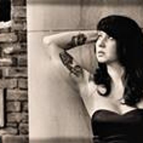 Miki Lansdowne's avatar