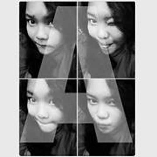 Fadila Della's avatar
