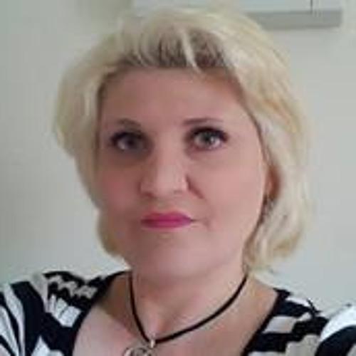 Julie Gifford's avatar