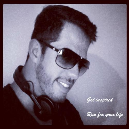 Julien Machado's avatar