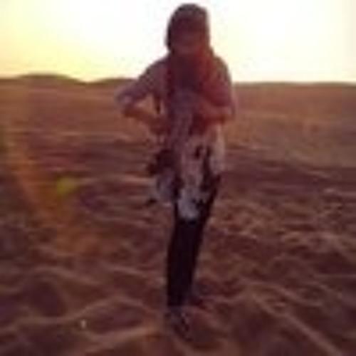 Yumna Shah's avatar