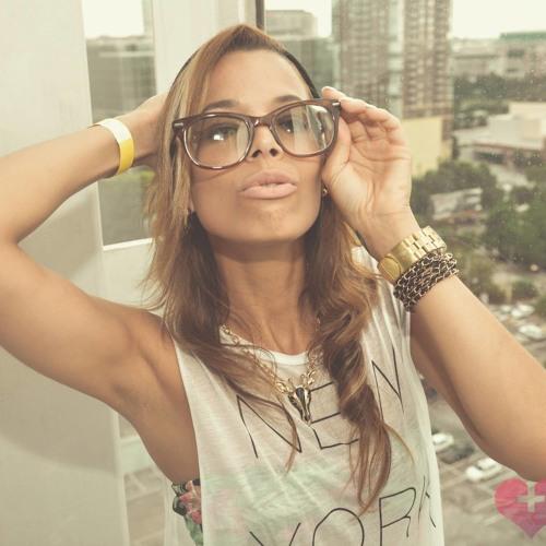 Natalie D Leon's avatar