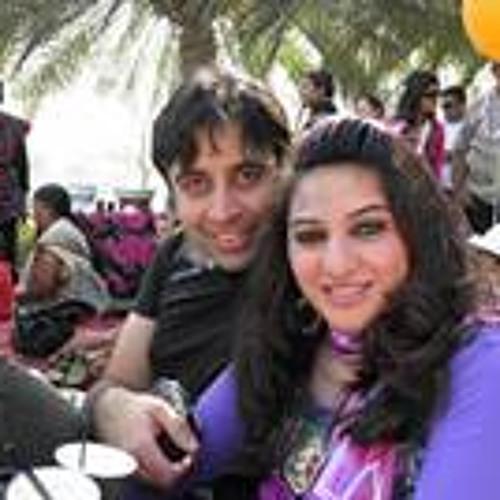 MrsAnees Ahmad's avatar
