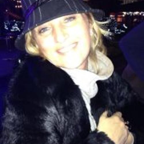 Charlotte Bram's avatar