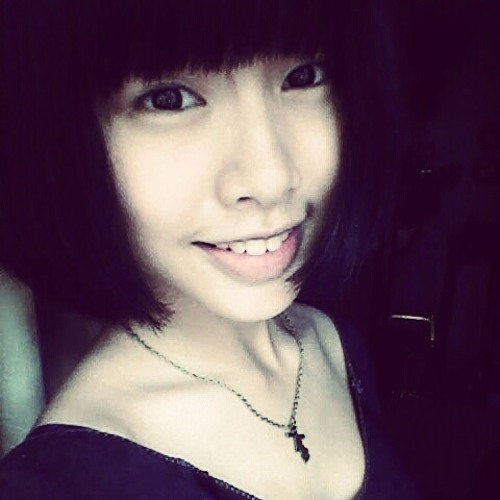 Angelina Teoh's avatar