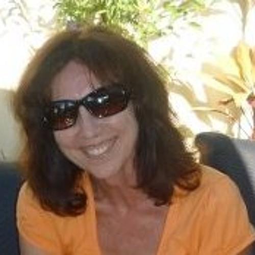 Nellie Burke's avatar