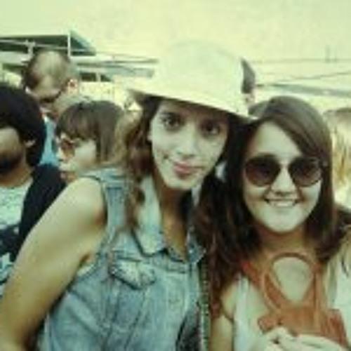 Camila Ferretti's avatar