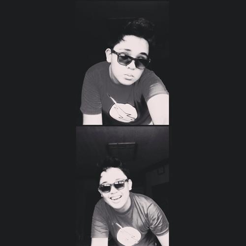 Christian Lazo :)'s avatar
