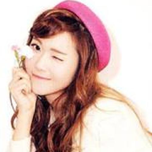 Julia Llenas 1's avatar