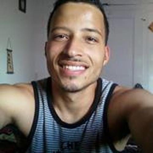 Vicker Nazario's avatar