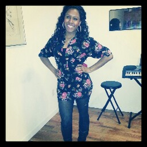 Isma Terrence's avatar