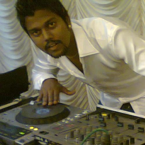 Dj Saanj's avatar