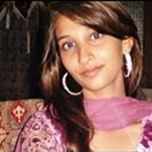 Muniba Nazim's avatar