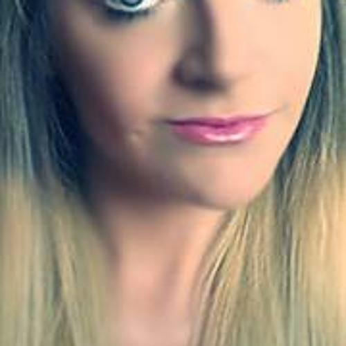 Dannie Louise's avatar