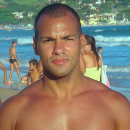Rafael Medeiros*'s avatar