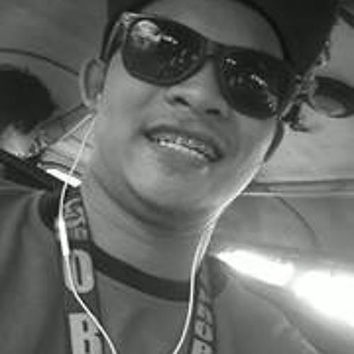 Zalie Lagota's avatar