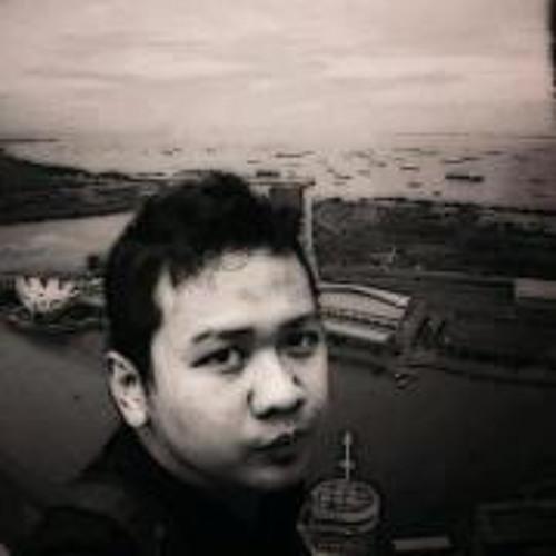 agunggombal's avatar