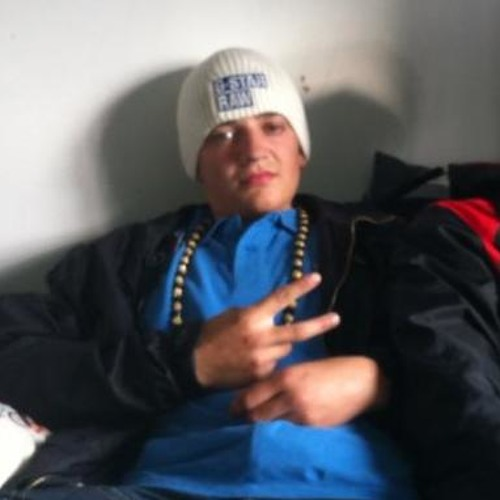 bazzle95's avatar