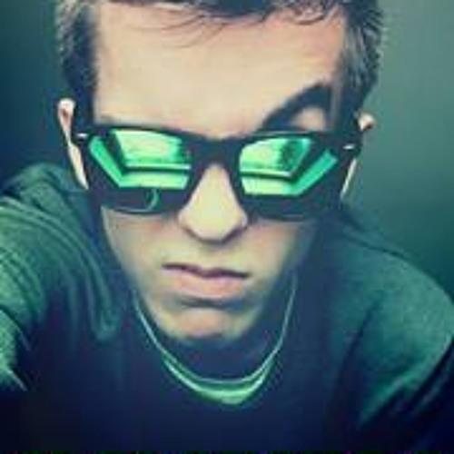 Michal Tpl Green's avatar
