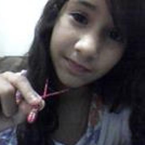 Daniela Lorena's avatar