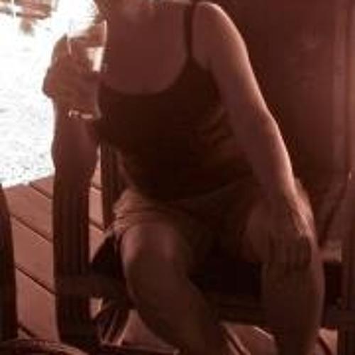 Sylvia J Thompson's avatar