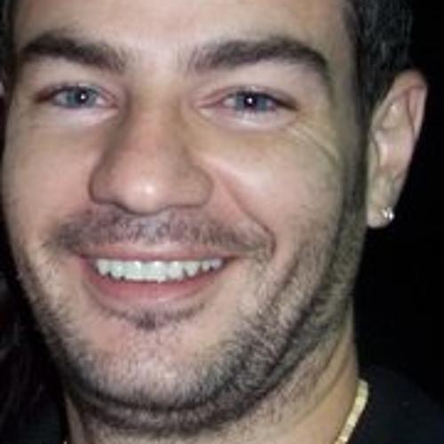 Luciano Redondo's avatar