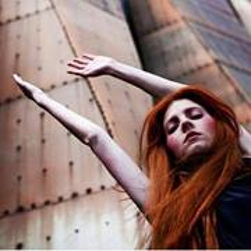 Celine LO's avatar