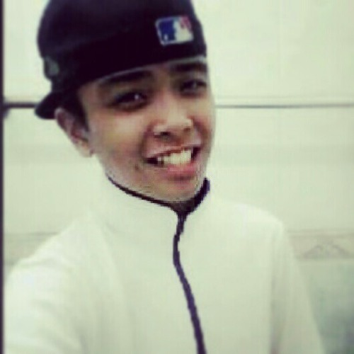 Qayyum Samri 2420's avatar