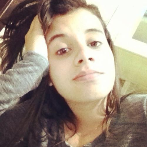 Jullya Bitencourt's avatar