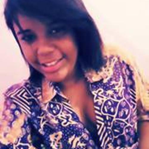 Cleia Tavares's avatar