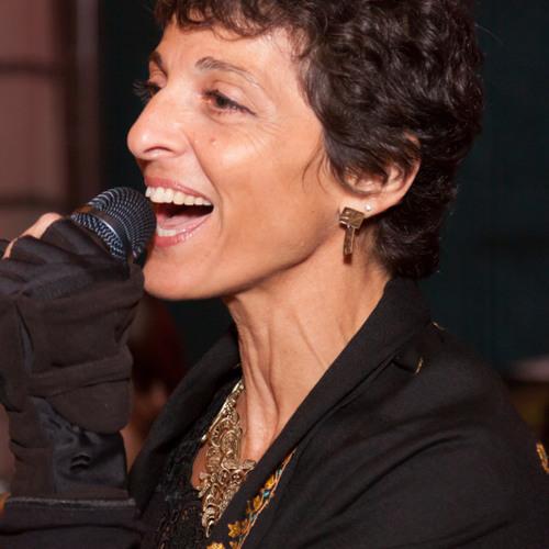 Julie Slim's avatar