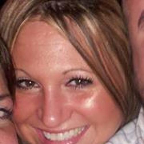 Rosie Simonton's avatar
