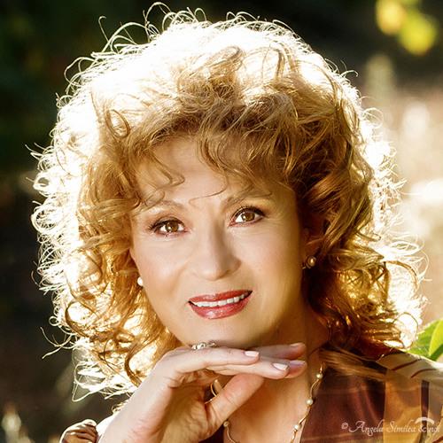 Angela Similea's avatar
