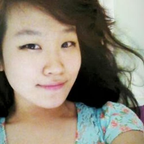 Lyanne Serim Ye's avatar