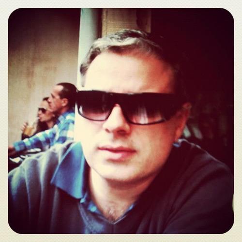 Rodney Alvarenga's avatar