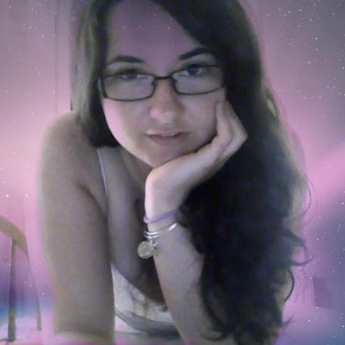 Julia MacIntyre's avatar