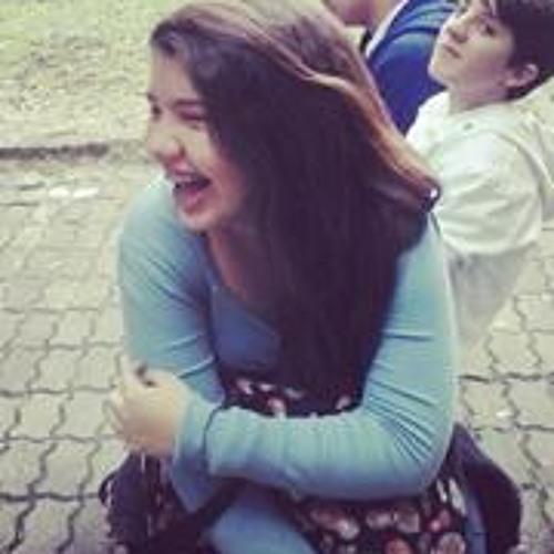 Carolina Pires 5's avatar